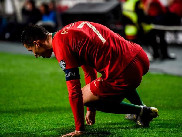 C.Ronaldo chấn thương, có khả năng lỡ hẹn trận tứ kết Champions League