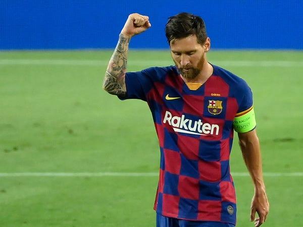 Tin bóng đá chiều 12/8: Messi bỏ nghỉ phép để chuẩn bị cho trận gặp Bayern