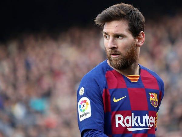 Tin bóng đá chiều 27/8: Chủ tịch Bartomeu không từ chức, Messi ra đi thật?