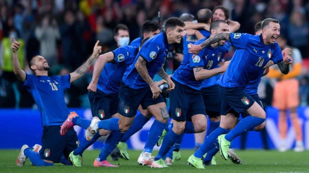 Ý vs Tây Ban Nha thành công và bỏ lỡ: Alvaro Morata đi từ anh hùng thành phản diện