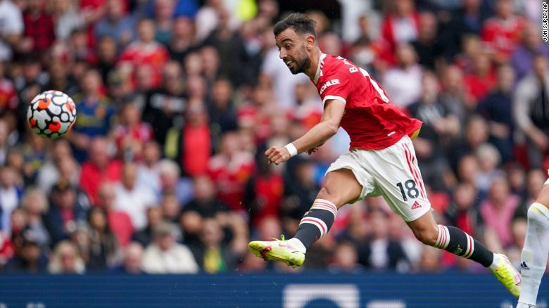 Manchester United ký hợp đồng với Raphaël Varane